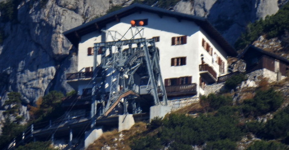 Werfen-cable-car