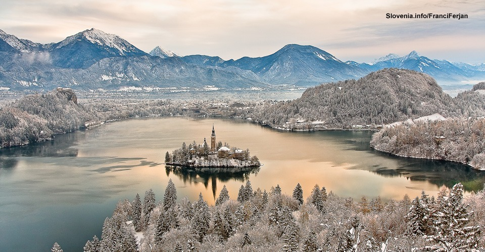 Bled-Lake-in-Winter